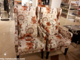 who would not want these stylish chairs?
